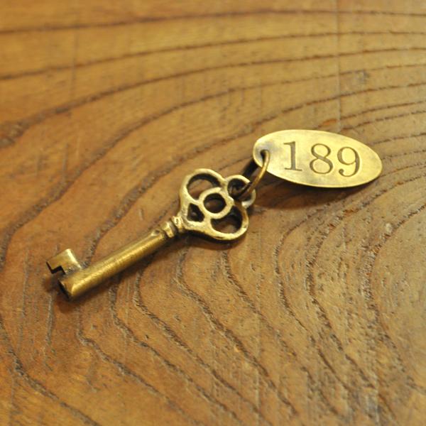 真鍮鍵 鍵 ブラス アクセサリーチャーム
