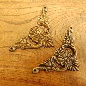 真鍮角飾り 真鍮金具 装飾部品 Brass